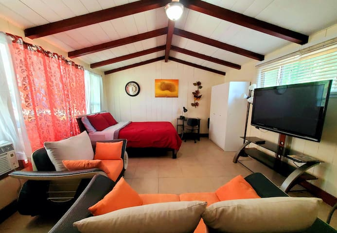 Guest house - perfect getaway, complete separation