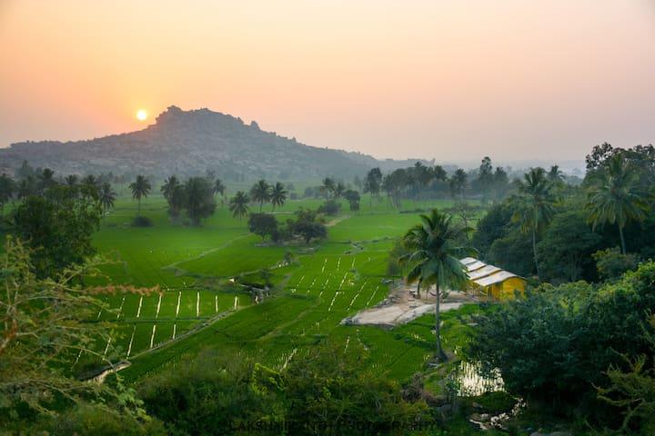Sanapur的民宿