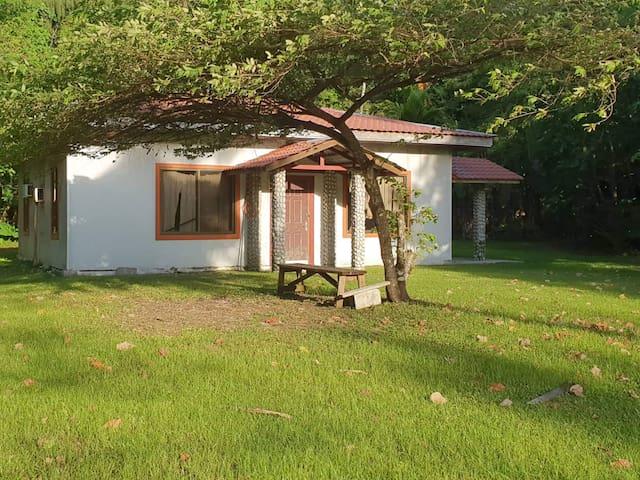 Ngeaur Island的民宿