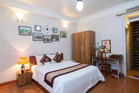 Hotels In Hanoi Old Quarter: Private Ensuite