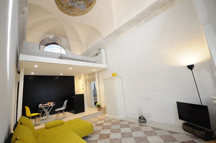 design loft  a Trento Holliday Charming Home