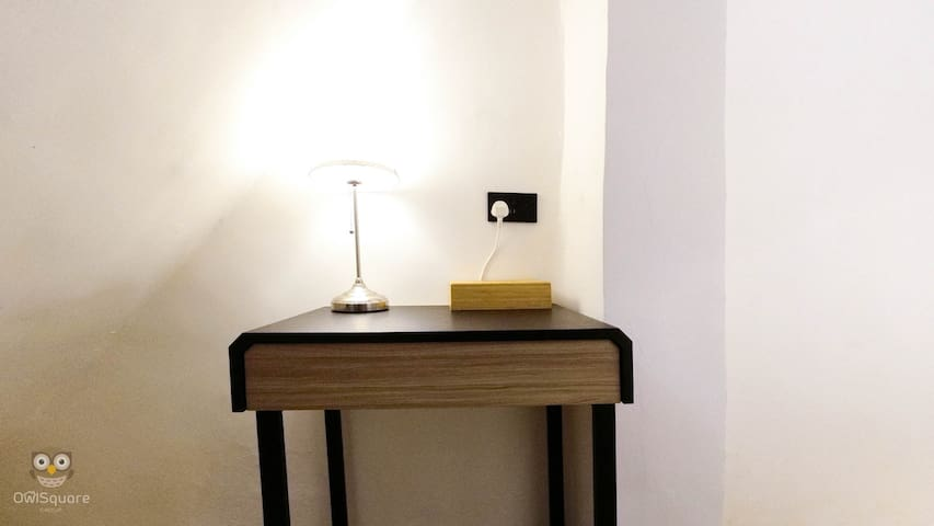 【Sai Ying Pun Apartment, w/Private Rooftop】#302