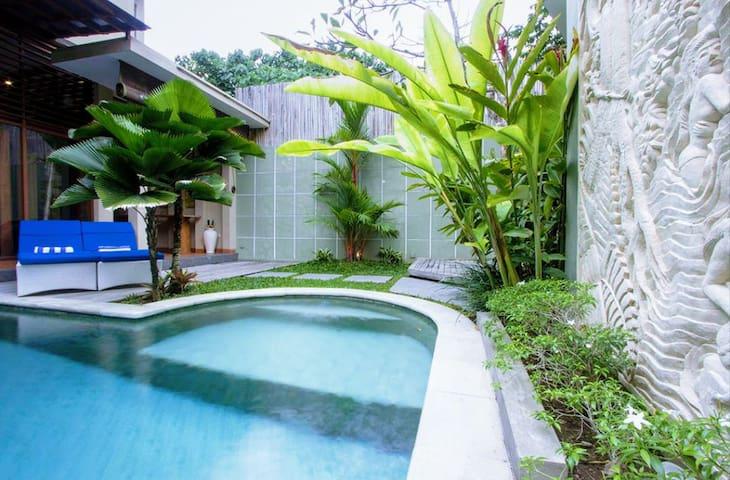 Seminyak Beach 3 Room Villa With Pool, Sleeps 6