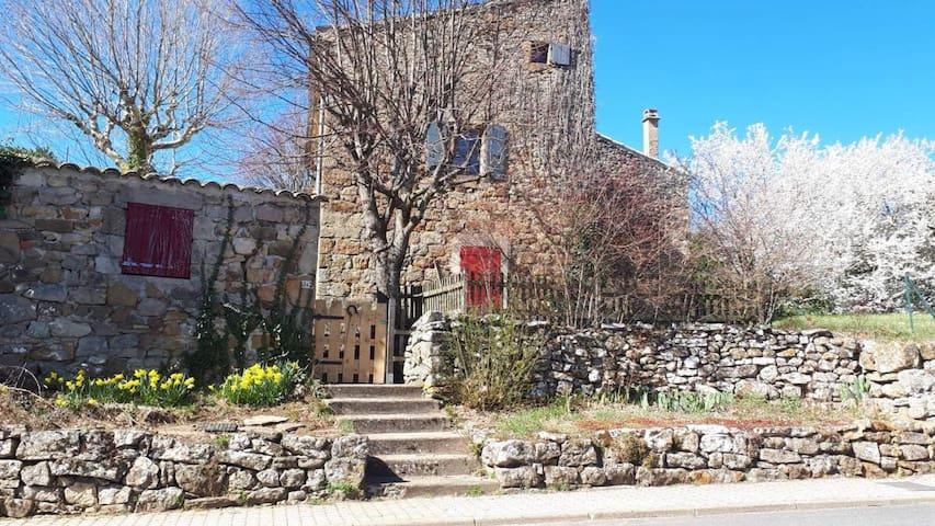 韦拉 (Veyras)的民宿