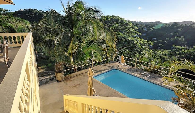 Cacimar House - Pool, Privacy and Sleeps 6