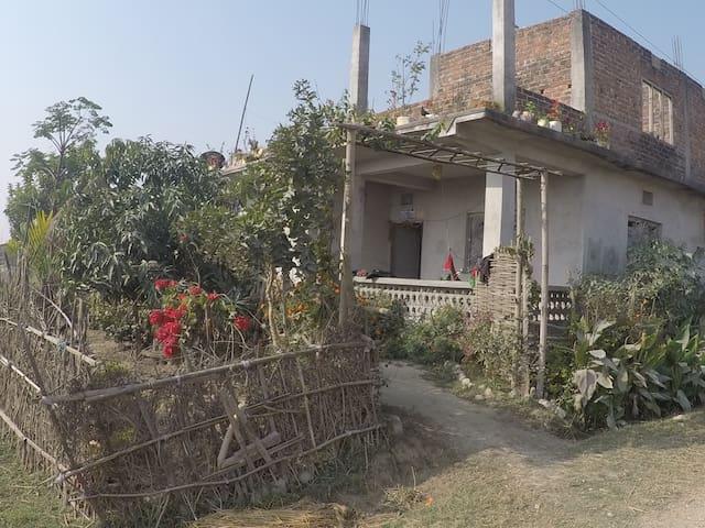 Ramdhuni Bhasi的民宿