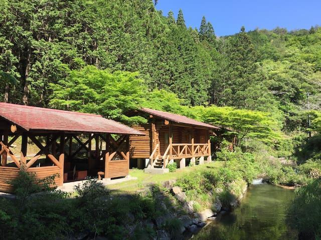 Nakatosa-chō, Takaoka-gun的民宿