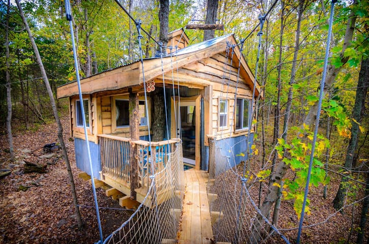 TreeHouse~Aliyah~Off  grid+hiking+family friendly!