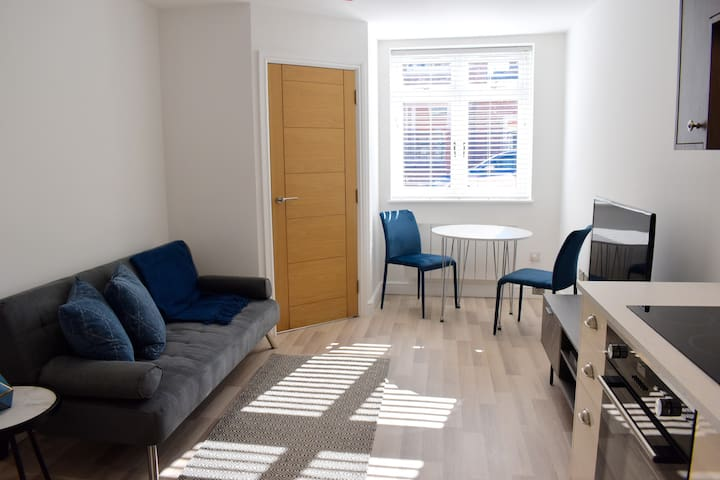 Stylish Modern apartment in Central Northampton