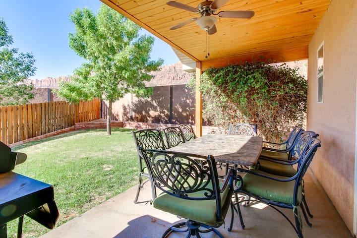 Modern, mountain view home w/ patio, foosball, plus shared pool & hot tub