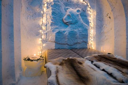 Snow igloo - Lucky Ranch Saloon