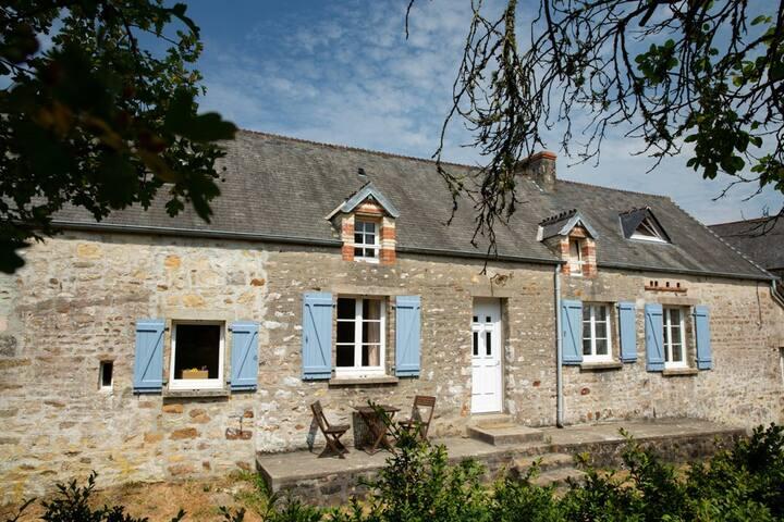 Fierville-les-Mines的民宿