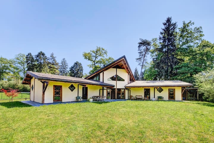 Exclusive chalet on Leman lake