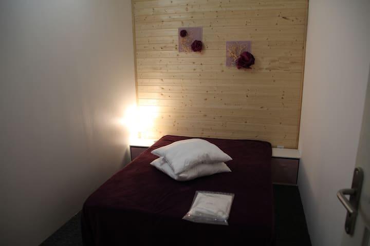 Bed & Café Ch N°3, 1 lit double
