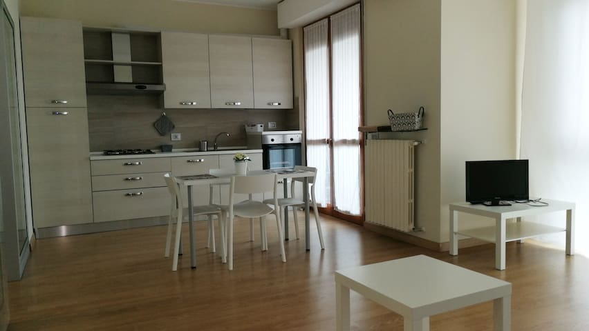 New central apartment, close to Milan