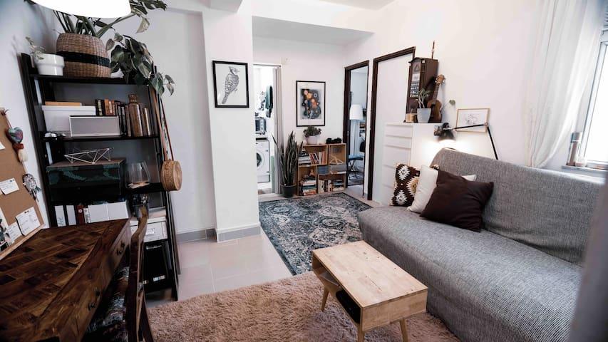 Cozy bedroom in artsy neighbourhood 5min from MTR