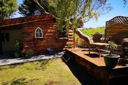 Unique cabin in tranquil setting close to the sea
