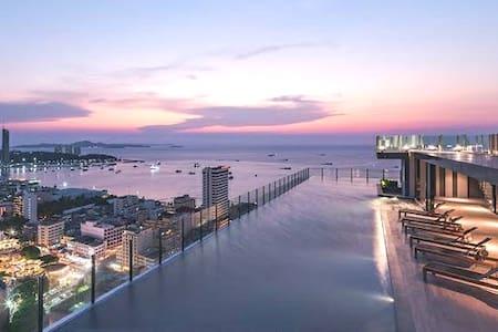 Amazing sea view, infinity pool, best location