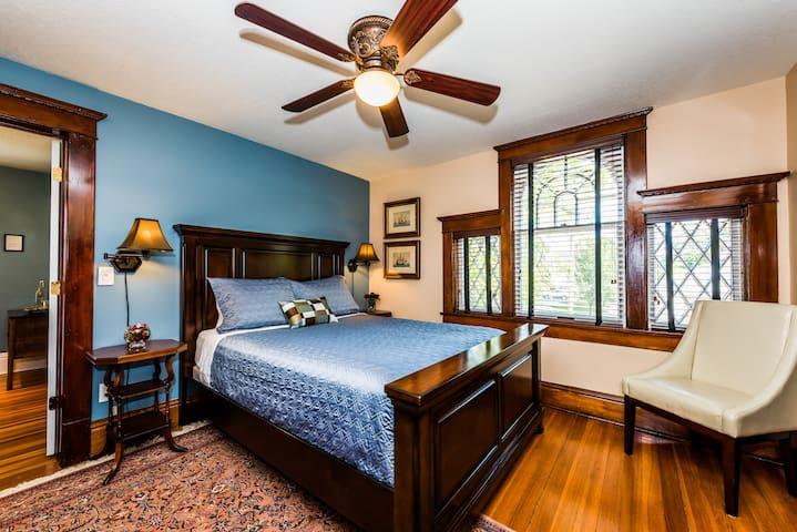 Three Oaks Inn, Palladian Suite