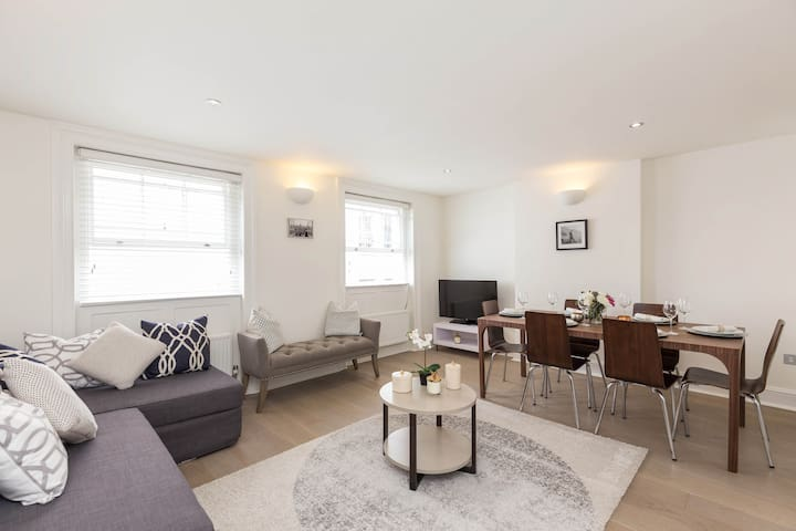 Heart of Covent Garden - 2 Bed, 2 Bath -Great WifI