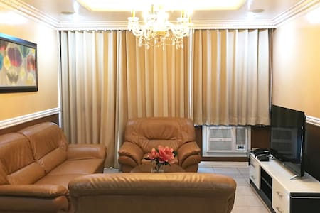 Classic Victorian 2 Bedroom Robinsons Place Malate