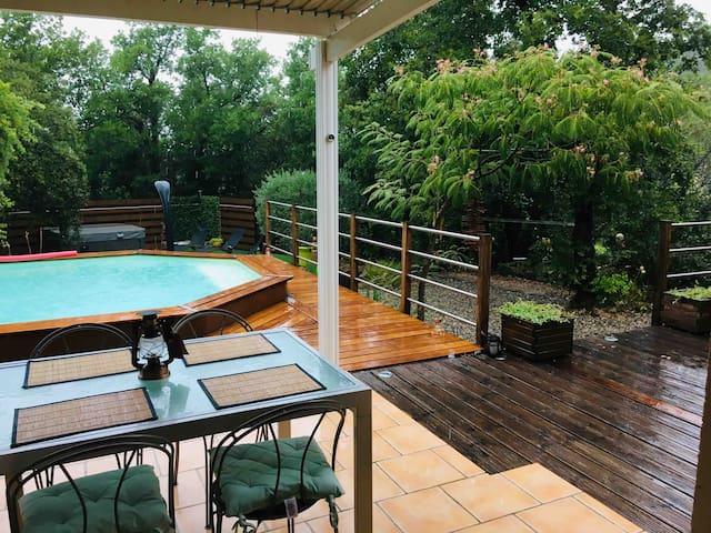 Villa privée 3⭐️⭐️⭐️ Jacuzzi Sauna, Piscine 6 pers