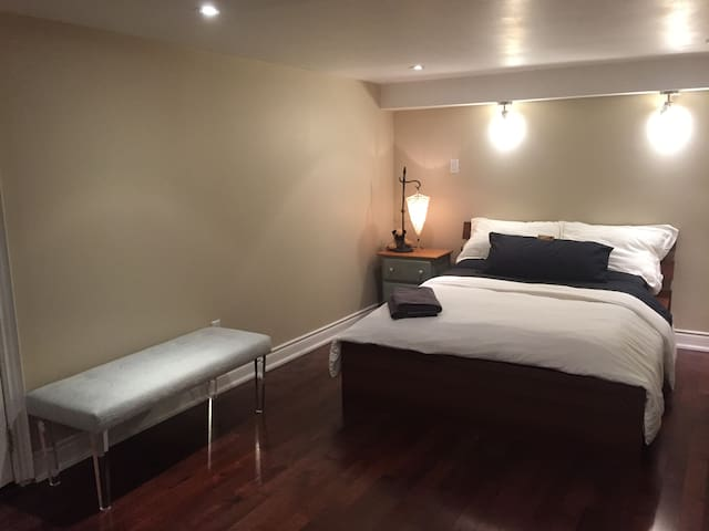 Luxury One Bed with en suite Jacuzzi