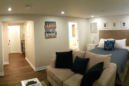 Private 1 bedroom studio apartment in Canada