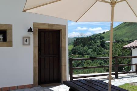 apartamentos el llanin(loft parejas con terraza)