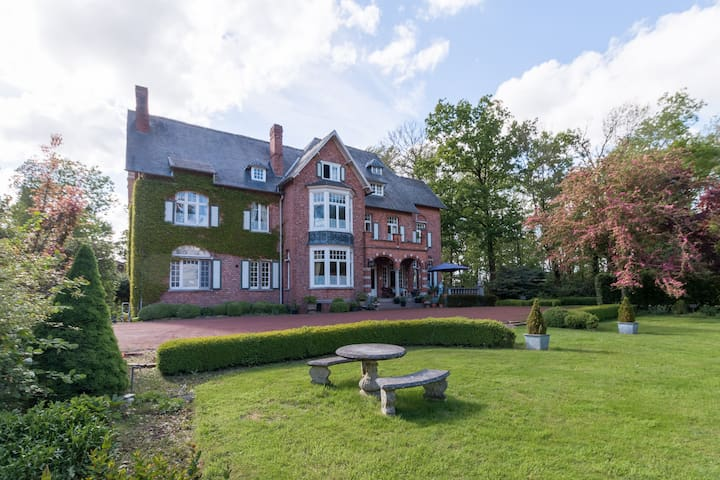 Oostkamp的民宿