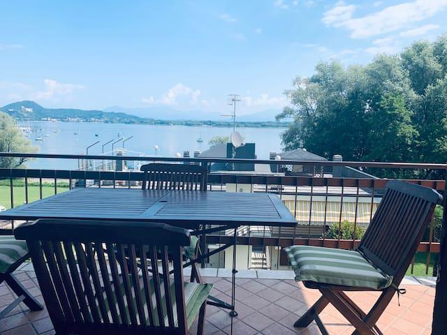 Una finestra sul lago!