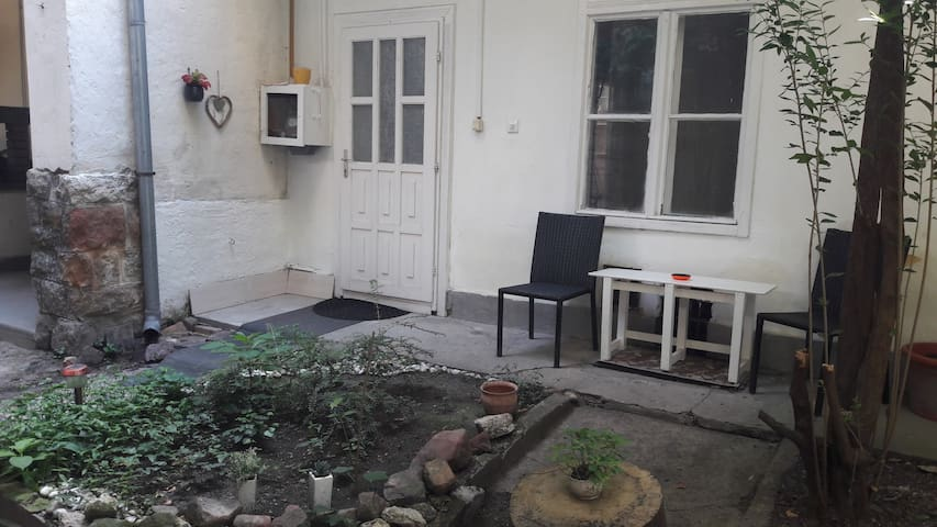 Studio for 2  in a Mysterious Garden