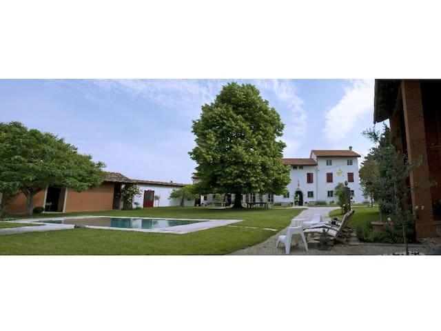 San Vito Al Torre的民宿