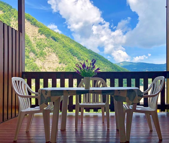 GranChalet Studio with Pool and Mountain View