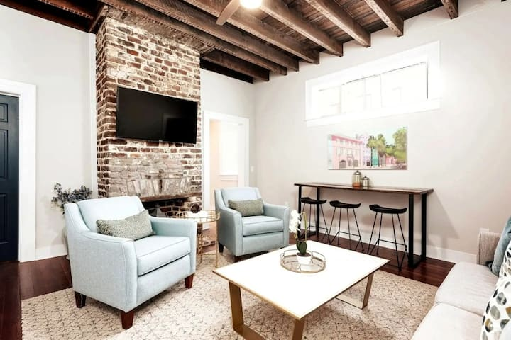 ★ The Inns at 40 Spring – Beautiful 1 BR / 1 BA ★