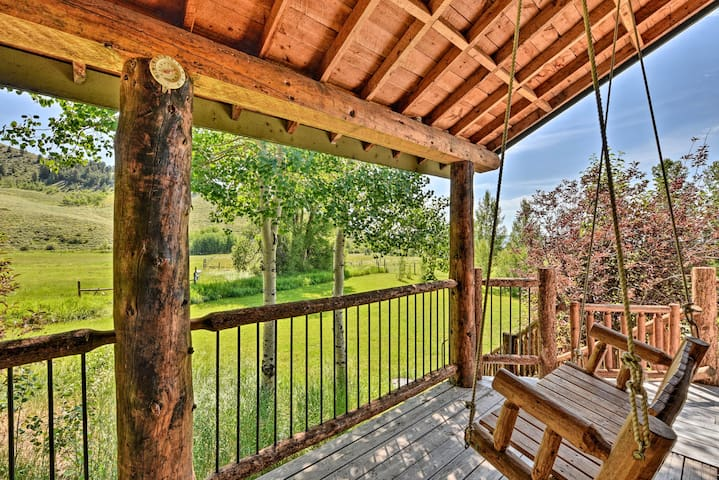 Horse Ranch Home w/Deck & Hot Tub in Crested Butte