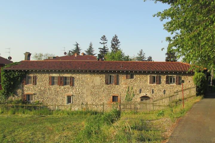 Almenno San Bartolomeo 的民宿