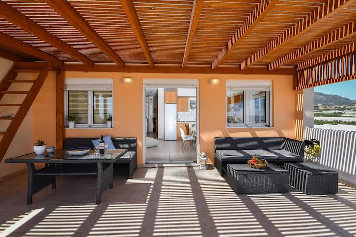 Modern 2bedroom flat with spacious balcony