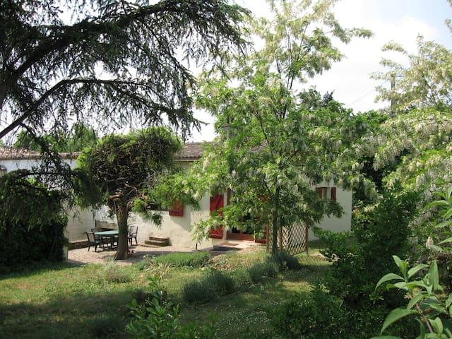 Saint-Macaire的民宿