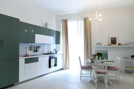 Casa Marcellina nel centro di Napoli