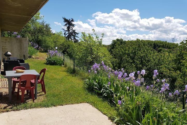 Clonas-sur-Varèze的民宿