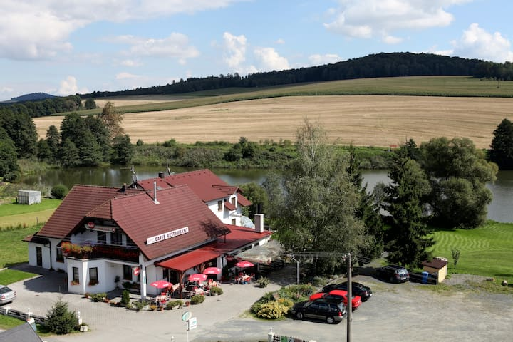 Všeruby的民宿