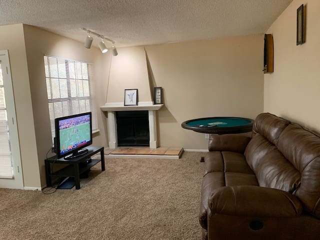 Entire Apartment close to all Austin Attractions!