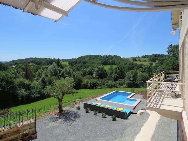 Vars-sur-Roseix的民宿