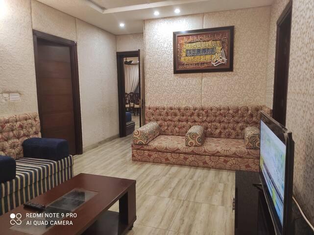 luxury 2BR Apt near G11 Markaz familes only/wifi