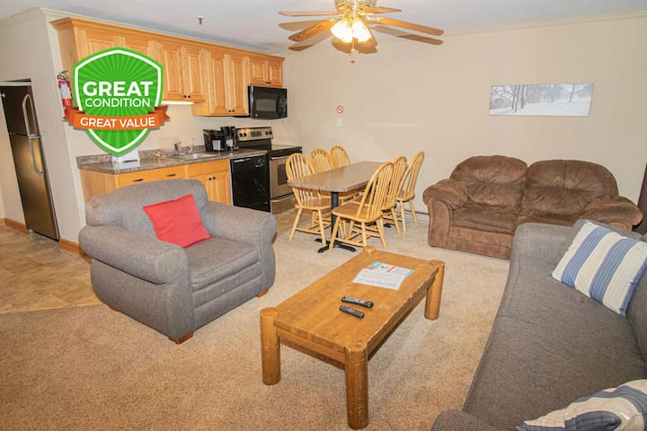Got a big group? This rare 3BR unit is for you! Sleeps 10 WiFi EZ In & Out