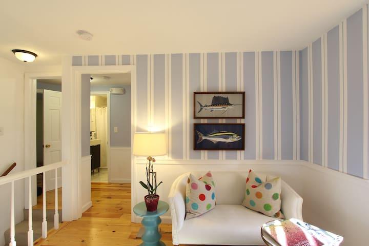 2 Bedroom Luxurious Suite -Kitchen & Living Room