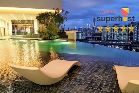 3BR Spacious Luxury Condo Near MRT Sunway Velocity