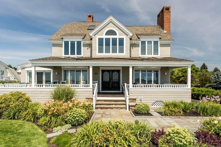 The Beach House - Oceanfront 5 BR