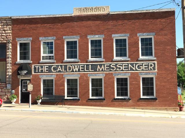 Caldwell Messenger Suites  King Suite